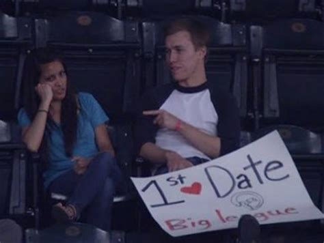 7 Ways To Deal With An Awkward Date by Photos A S Date At A Baseball Went As