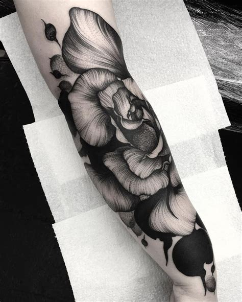 violet rose tattoo the 25 best violet flower tattoos ideas on