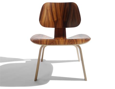 eames molded plywood lounge chair lcw eames 174 molded plywood lounge chair lcw hivemodern