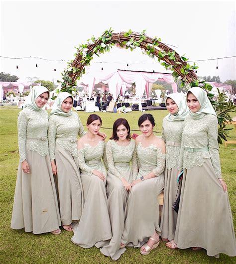 Kacamata Wanita 8803mdr 281 Warna E elegan ini 19 seragam bridesmaids terbaik yang bisa ditiru