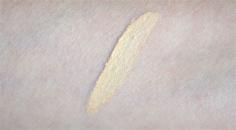 Millani Retouch Erase Light Lifting Concealer aquaheart milani cosmetics retouch erase light lifting concealer review