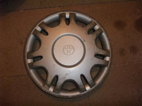 Toyota Hubcaps Used 4 Used 14 Toyota Hubcap Wheel Trim Wheel Cover For Sale In