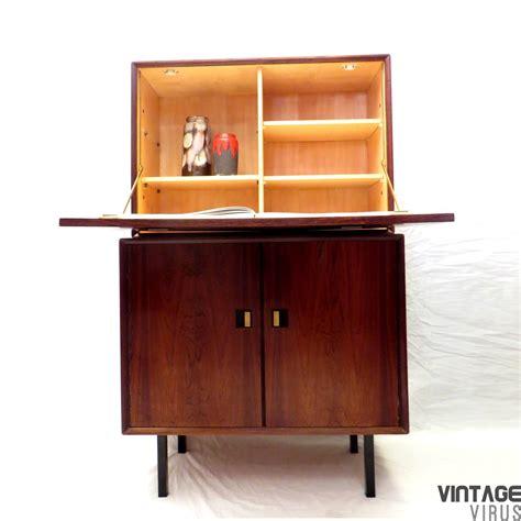 Dress Klep vintage dressoirkastje secretaire vintage virus