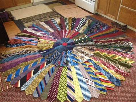 how to make a tie rug necktie rug rug made with around 80 polyester 1970 s ties flickr