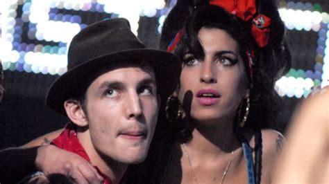Fielder Civil Asks Winehouse For Divorce by Fielder Civil Has Claimed That Winehouse S