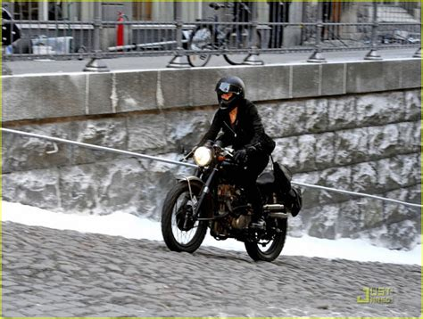 dragon tattoo motorcycle girl with the dragon tattoo motorcycle photos return of
