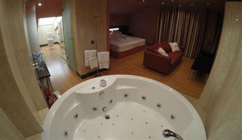 hoteles baratos con jacuzzi en la habitacion barcelona hoteles con jacuzzi en la habitaci 243 n en cantabria al mejor