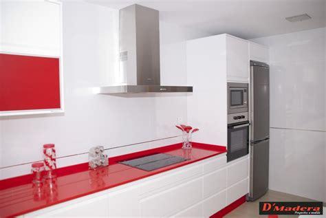cocina blanca encimera roja muebles de cocina blancos con encimera roja ocinel