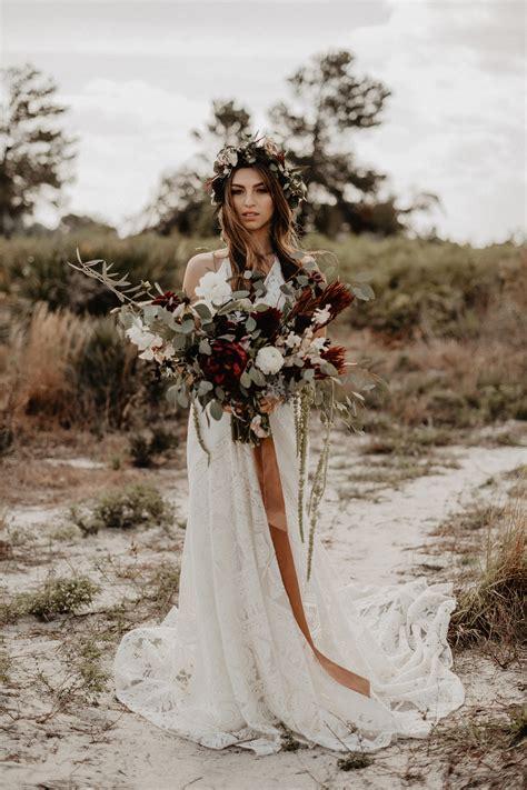 choose  perfect bohemian wedding dress