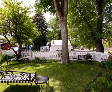 Garden Wall Inn Updated 2017 Prices Motel Reviews Garden Wall Inn Whitefish