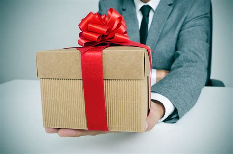 best present for office mates office gifts customer gifts client presents