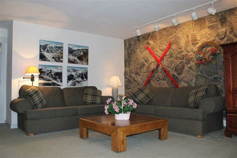 clubhouse feel 4 bedroom sleeps 10 and up to 12 houses lc209f inviting condo with fireplace great vrbo