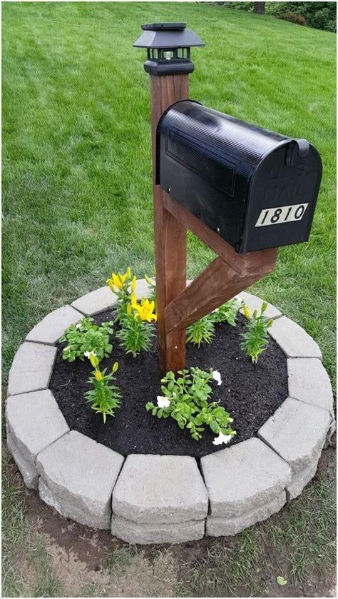 mailbox post with light 15 creative ways to display solar lights