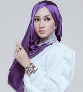 tutorial hijab pesta modern dan simple 10 tutorial hijab wisuda terbaru 2018 modern simple