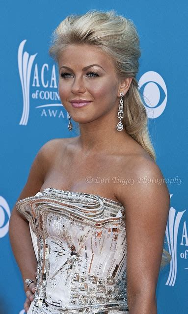 why does julianne hough have so much brown in her blonde hair 17 best images about julianne hough on pinterest