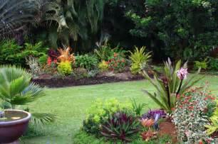 outdoor patio ideas tropical