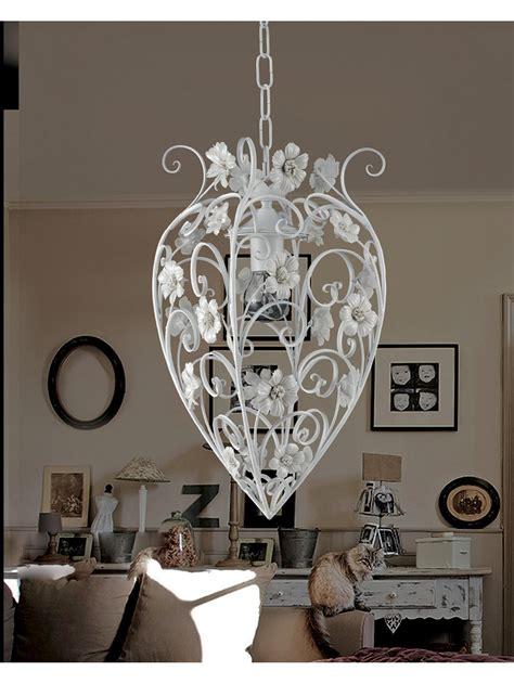 ladari in ferro battuto bianco ladario in ferro battuto bianco con porcellana 1 luce