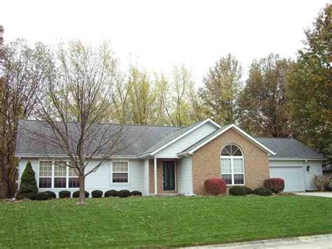 3 bedroom houses for sale 321 plateau drive 3 bedroom 2 1 2 bath house for sale in lafayette indiana with back