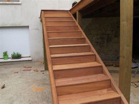 Construire Un Escalier En Bois 3972 by Construction D Un Escalier En Bois Pour Terrasse