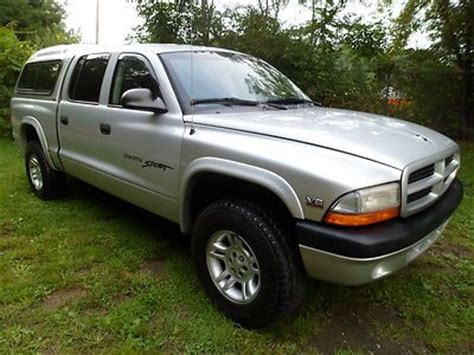 purchase used 2001 dodge dakota sport 4x4 quad cab 4 door 4 7liter 8cylinder w airconditioning purchase used 2001 dodge dakota sport 4x4 quad cab 4 door 4 7liter 8cylinder w airconditioning