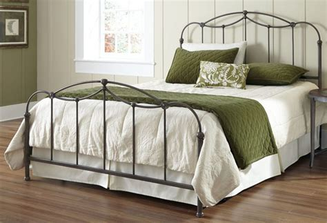 cast iron bed frame queen best 25 iron bed frames ideas only on pinterest metal bed frames bed frames and
