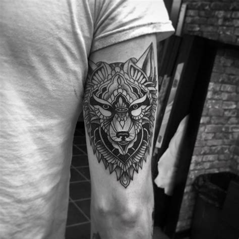 meaning of wolf tattoo 40 awesome wolf designs