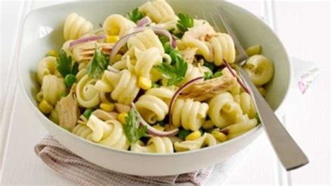 pasta salad with tuna recipe pasta salad with peas tuna and sweetcorn