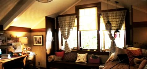 aria s bedroom pretty little liars un lugar para so 241 ar aria montgomery bedroom