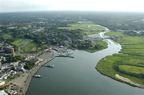 boat slip keyport keyport harbor in keyport nj united states harbor