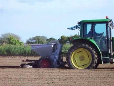 Reekie Potato Planter by Deere 6320 Planting Potatoes In Guernsey