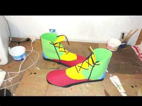 como hacer zapatos de payasos para fofucho zapatos de payaso con foami youtube