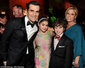 ty burrell and family modern family s ty burrell and julie bowen share a kiss at