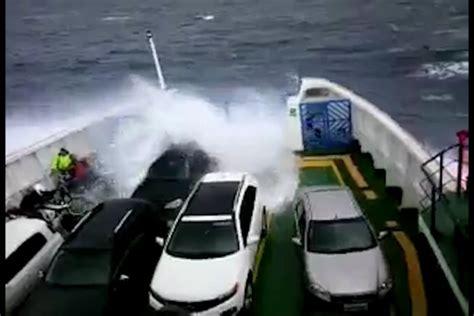 ferry boat salvador itaparica 193 gua do mar invade ferry boat na travessia entre itaparica