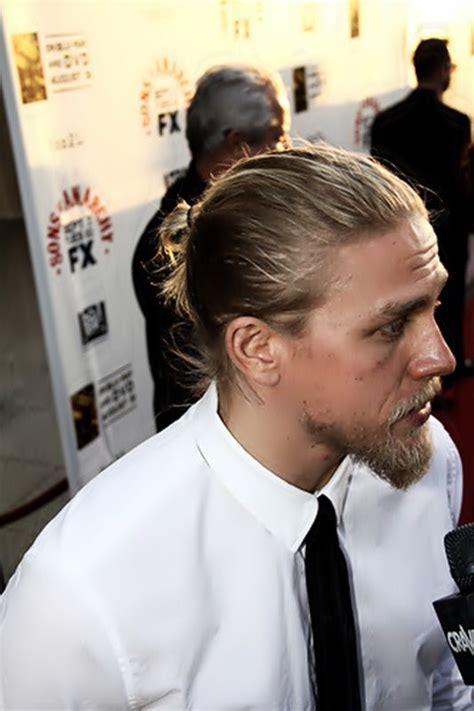 how to get the jax teller hair look charlie hunnam it s raining men pinterest buns