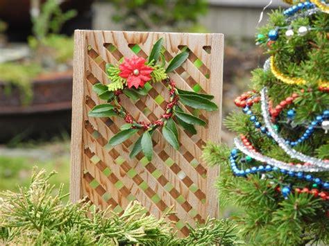 addobbi natalizi da giardino decorazioni fai da te per un giardino dal design originale