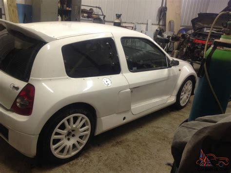renault clio v6 rally car renault clio v6 rally car