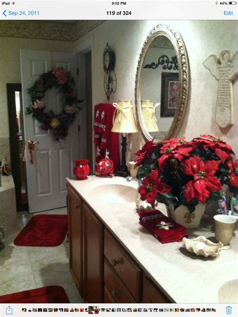 christmas decorations for the bathroom 1000 images about decorating the bathrooms for christmas on pinterest bathrooms