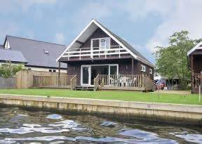 Self Catering Cottages Norfolk Broads by Self Catering Cottage In Norfolk Broads Wroxham Watersedge Sleeps 6