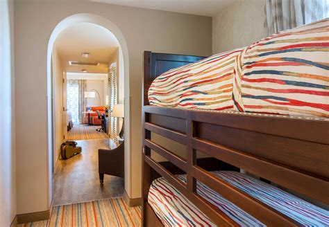 theme park beds 18 family friendly hotels with bunks beds near disneyland