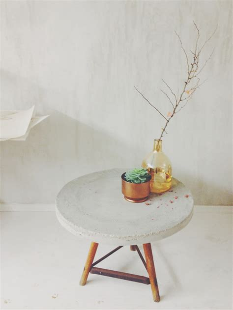 How To Make A Concrete Coffee Table 18 Diy Concrete Coffee And Side Tables