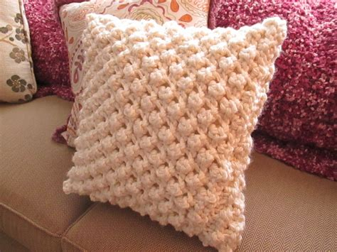 how to knit the popcorn stitch popcorn knit pillow cover 183 how to stitch a knit or