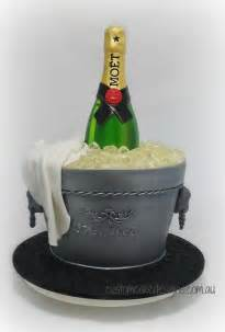 sekt und kuchen our 3d chagne bottle cake by dianne howells