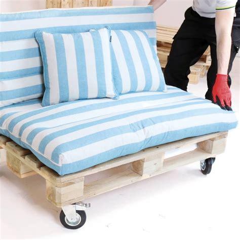 cuscini per divani vendita cuscini divani pallet per divano leroy merlin con homey