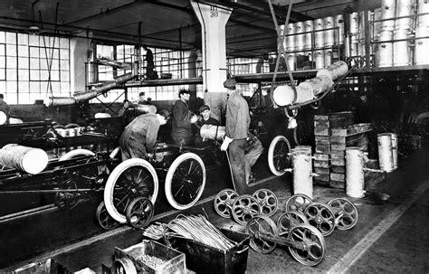 The Assembly Line Henry Ford Essay by Henry Ford Teil 6 Die Eigentliche Produktion Beginnt Katana