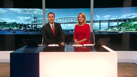 Itv News Desk Contact west country itv debuts new look newscaststudio