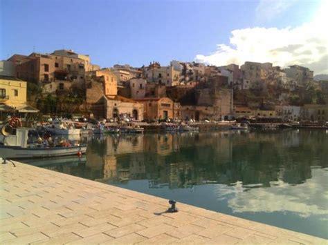 porto di castellammare tonnara di scopello picture of spiaggia di castellamare