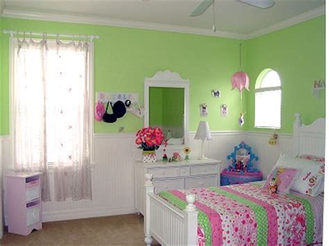 green pink bedroom girl s bedroom in green pink kids room decorating