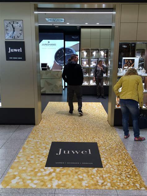 goldener teppich juwelier er 246 ffnung der goldene teppich fotoboden de