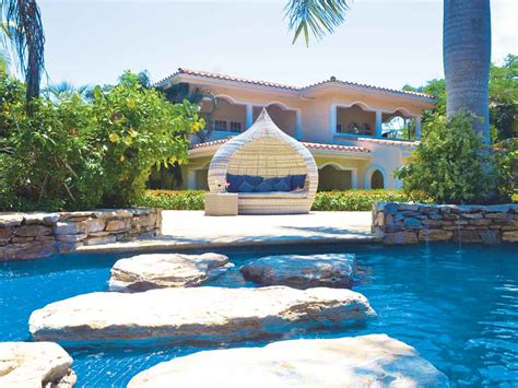 roatan dive resort roatan honduras all inclusive vacation deals sunwing ca