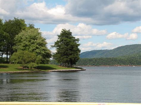 the hills surrounding the lake picture of raystown lake - Boat Rentals Near Uniontown Pa